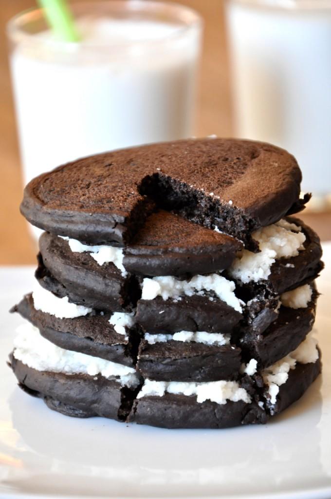 vegan-oreo-cookie-pancakes-680x1024.jpg