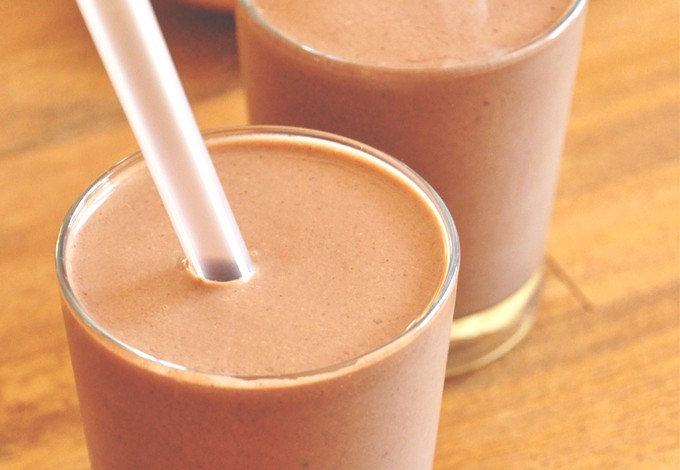 Two glasses of our Chocolate Breakfast Shake for a quick vegan breakfast