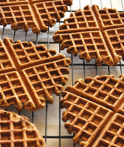 Crispy homemade Vegan Gingerbread Waffles on a cooling rack