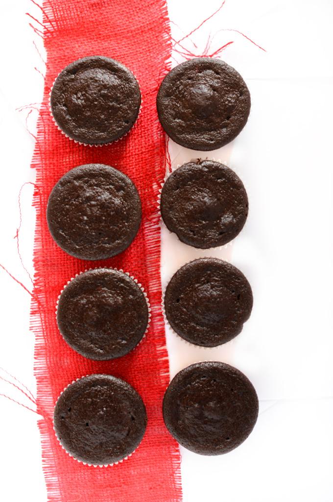Fudgy Beet Cupcakes | by minimalistbaker.com #minimalistbaker