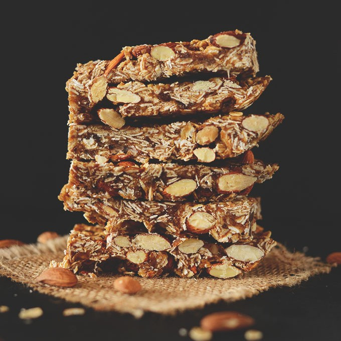 Healthy 5-Ingredient Granola Bars