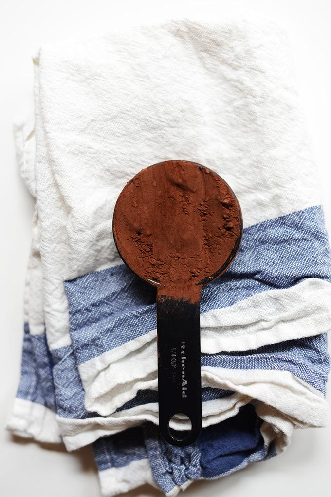 Dutch Process Cocoa Powder | vegan brownies | minimalistbaker.com #minimalistbaker