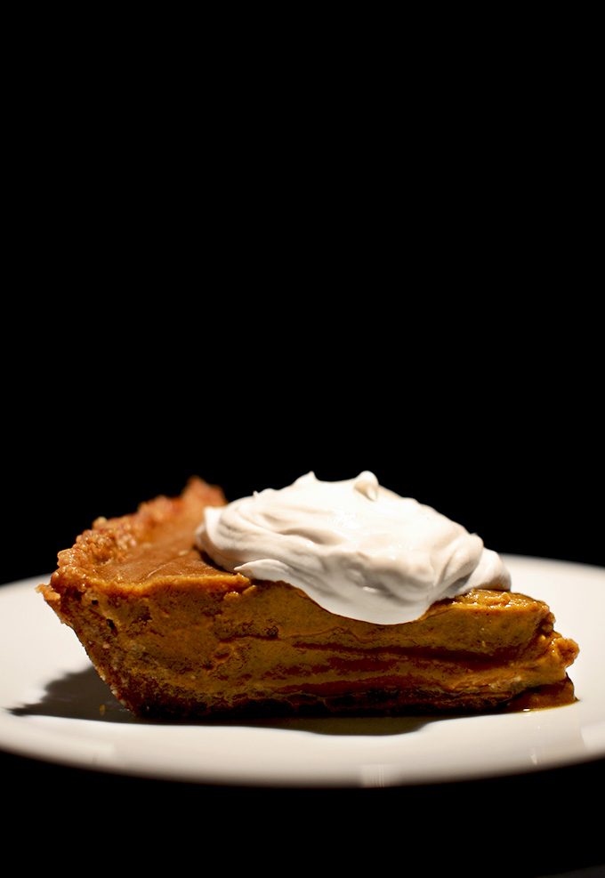 No-Bake Vegan Pumpkin Pie | minimalistbaker.com recipes #minimalistbaker