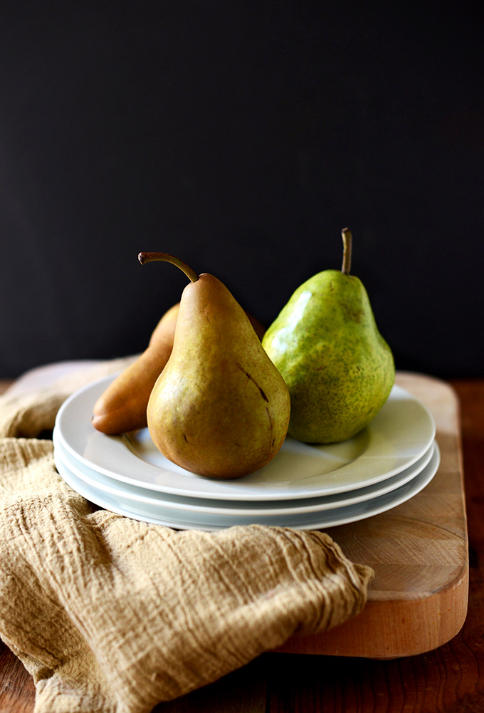 Plate of fresh pears for making a bowl of oats with pears