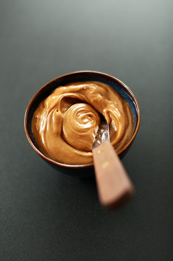 'Healthy Peanut Butter Frosting #minimalistbaker' from the web at 'https://minimalistbaker.com/wp-content/uploads/2013/12/Healthy-Peanut-Butter-Frosting.jpg'
