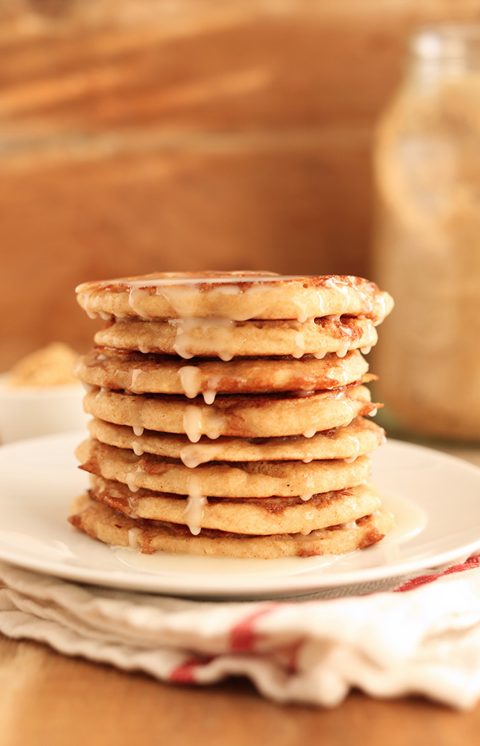 Vegan Cinnamon Roll Pancakes! minimalistbaker.com recipes #minimalistbaker