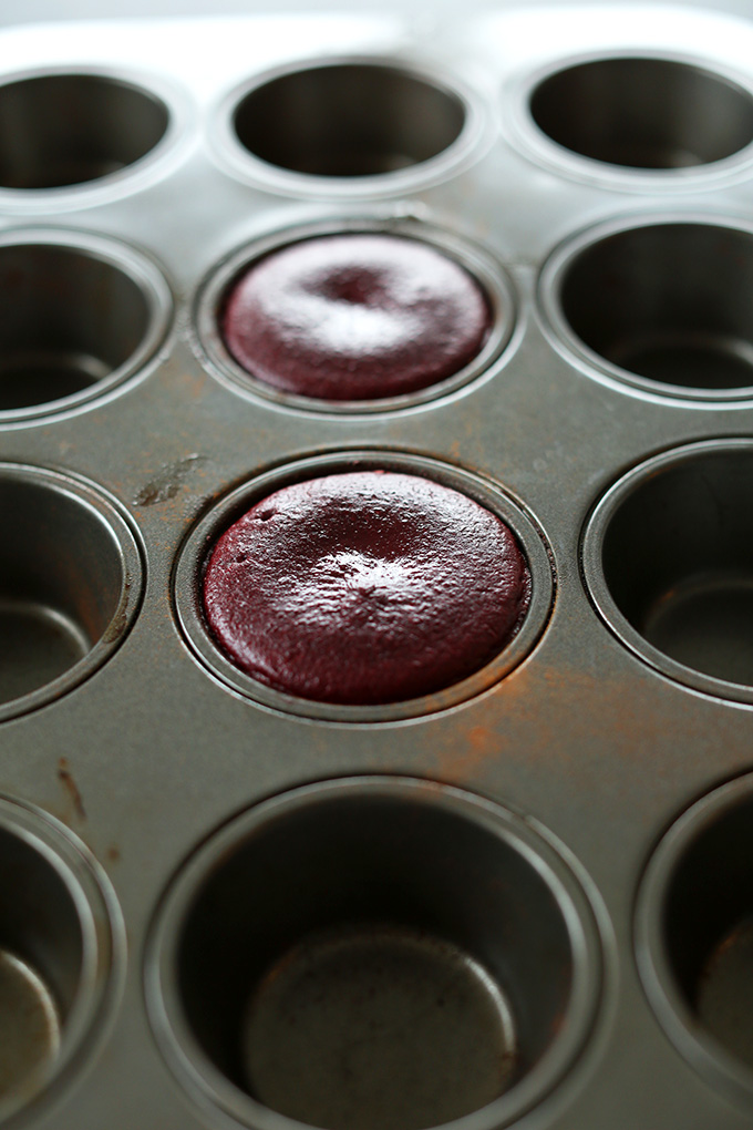 Mini Vegan Chocolate Cakes in muffin tins