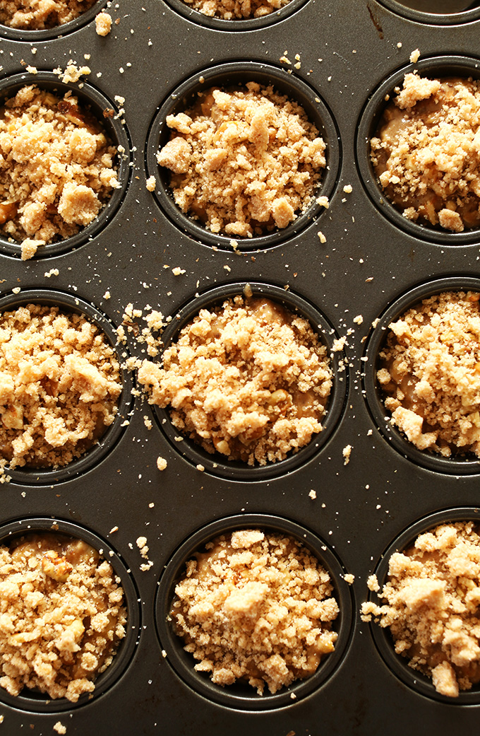 Vegan Banana Crumble Top Muffins! | MINIMALISTBAKER.COM