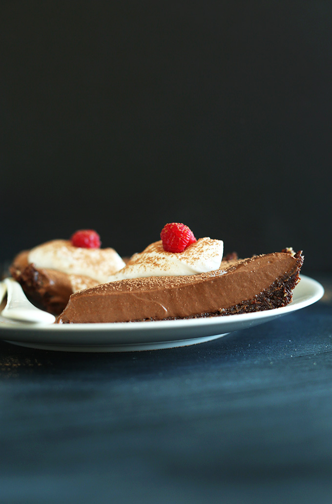 '6-Ingredient Vegan GF Chocolate Silk Pie! Keep in the fridge or freezer depending on desired thickness. SO delicious and addictive! #minimalistbaker' from the web at 'https://minimalistbaker.com/wp-content/uploads/2014/03/6-Ingredient-Vegan-GF-Chocolate-Silk-Pie-Keep-in-the-fridge-or-freezer-depending-on-desired-thickness.-SO-delicious-and-addictive.jpg'