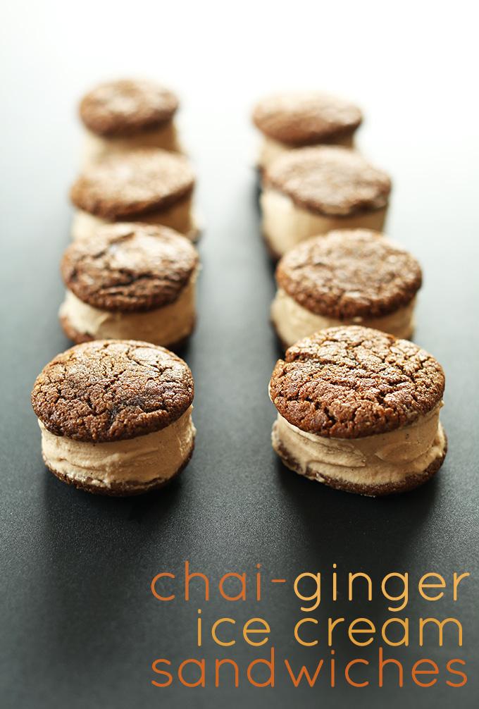 Dos líneas de sándwiches de helado Chai Ginger para una deliciosa delicia vegana GF de verano