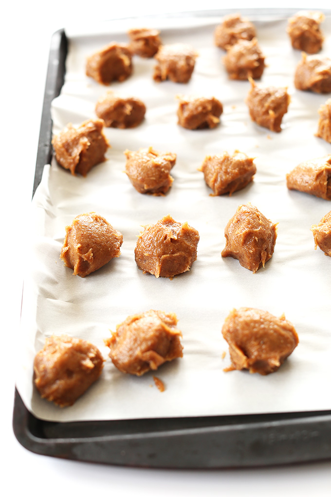 5 Ingredient Vegan Salted Caramel Peanut Butter Truffles! #vegan #glutenfree #minimalistbaker