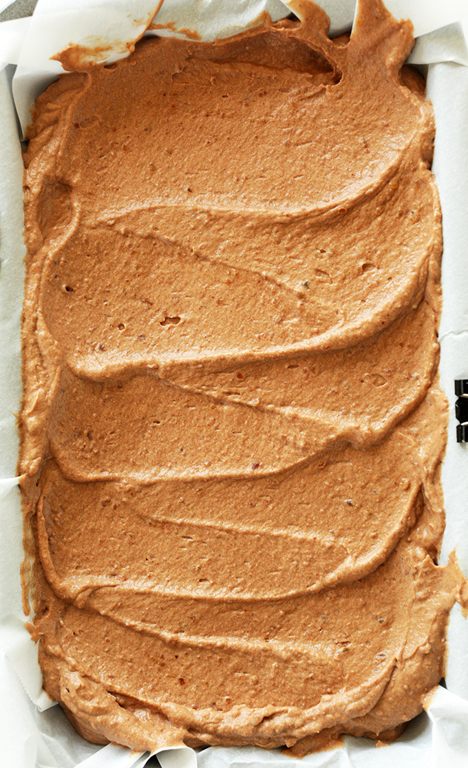 CREAMY No-Churn Vegan Chocolate Ice Cream! FIVE ingredients, NATURALLY SWEETENED, SO delicious! #vegan #glutenfree #minimalistbaker