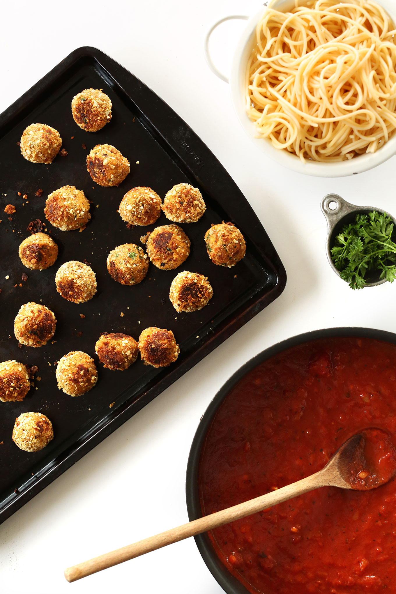 10-ingredient VEGAN Meatballs, perfect on pasta and so delicious! #minimalistbaker