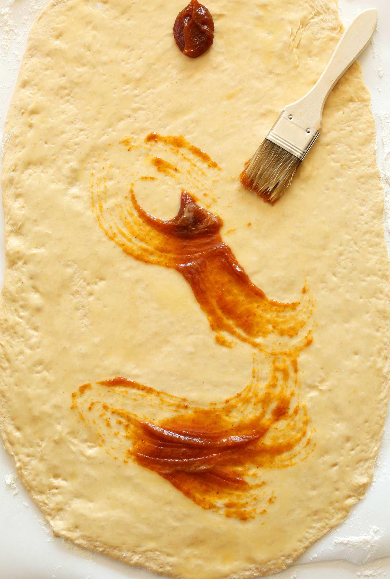 1-Bowl VEGAN Pumpkin Cinnamon Rolls! Simple, spicy, delicious! #vegan #minimalistbaker