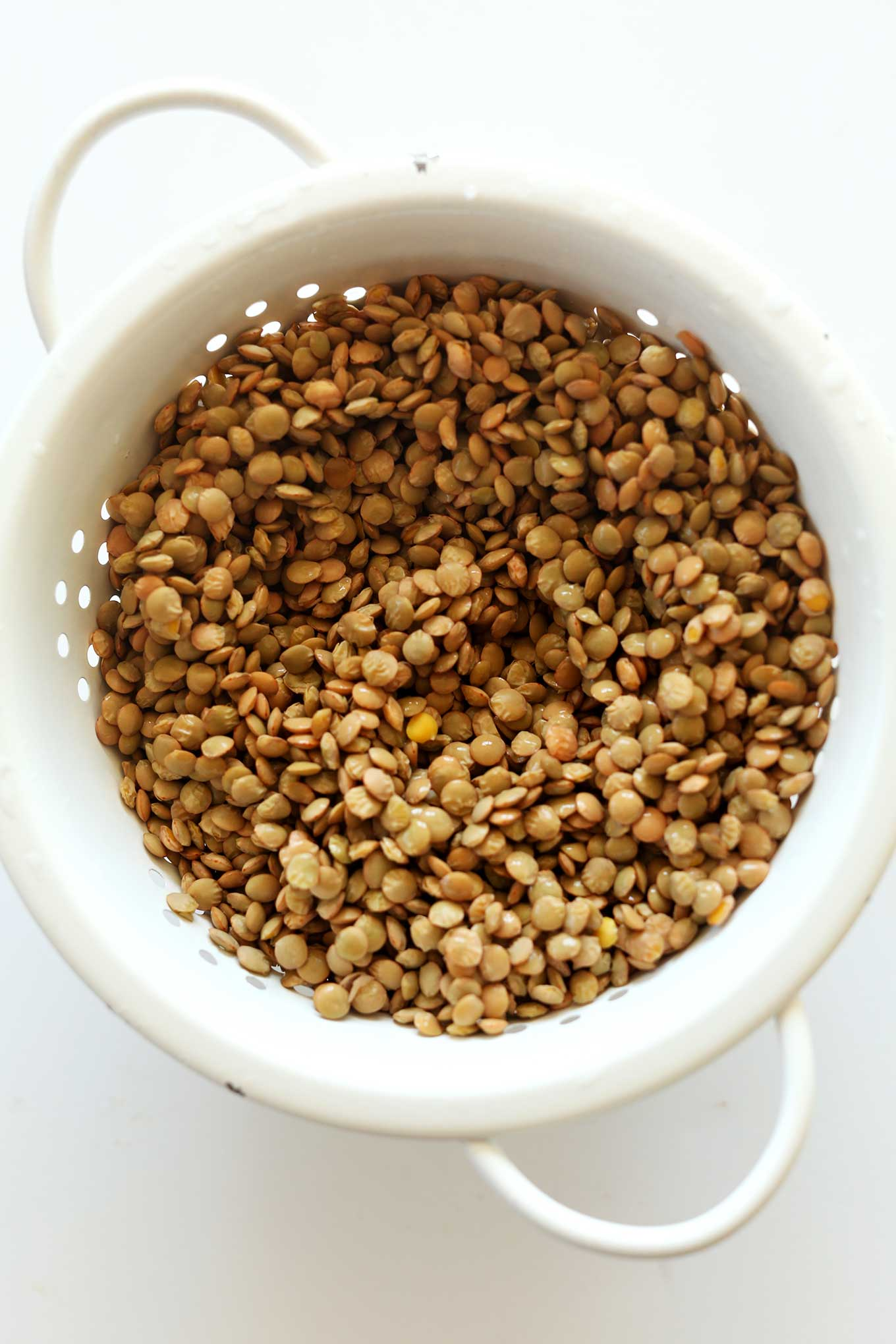 Rinsing lentils in a colander