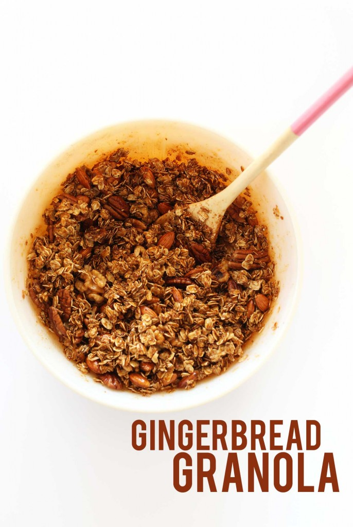 SIMPLE Gingerbread Granola with 10 ingredients and 30 minutes required! #vegan