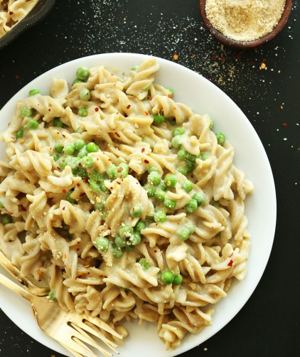 Plate of Vegan Alfredo Pasta for a comforting dinner