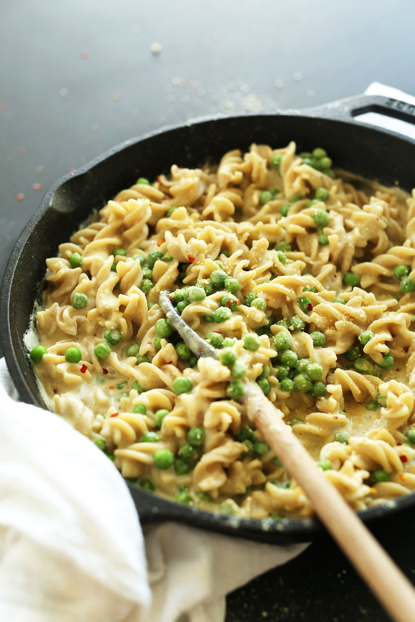 Cast-iron skillet filled with our delicious Vegan Alfredo Pasta recipe