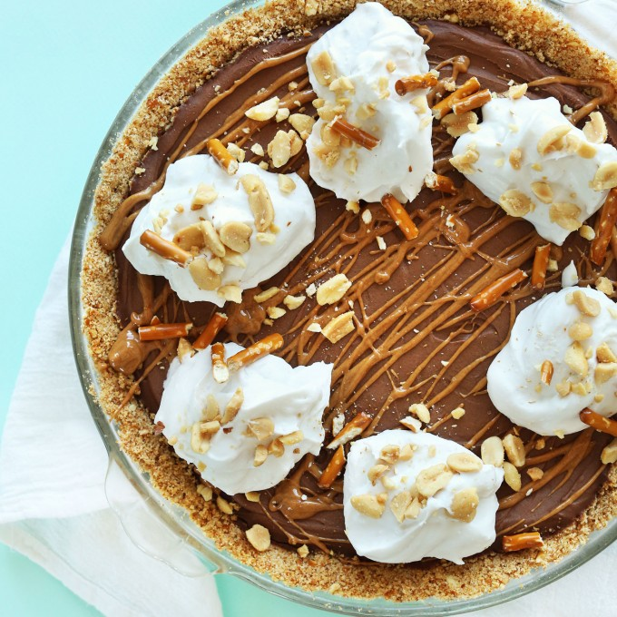 Pretzel Peanut Butter Chocolate Pie for a simple vegan summer dessert