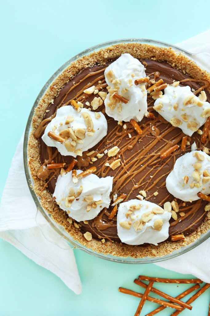 AMAZING 7 Ingredient Pretzel Peanut Butter Chocolate Pie! Simple ingredients, methods and SO delicious! #vegan #pie #chocolate #peanutbutter #dessert #pretzel #recipe