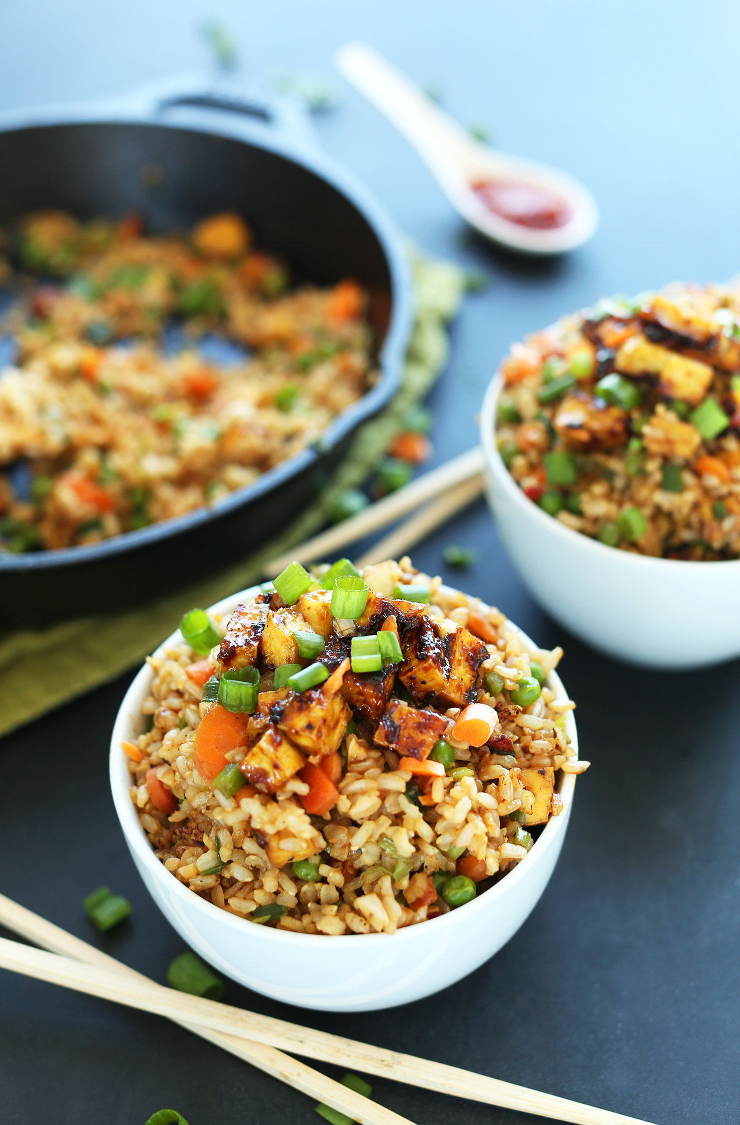 Bowls of our healthy fried rice with crispy tofu for a vegan meal : cold plate dinner ideas - pezcame.com