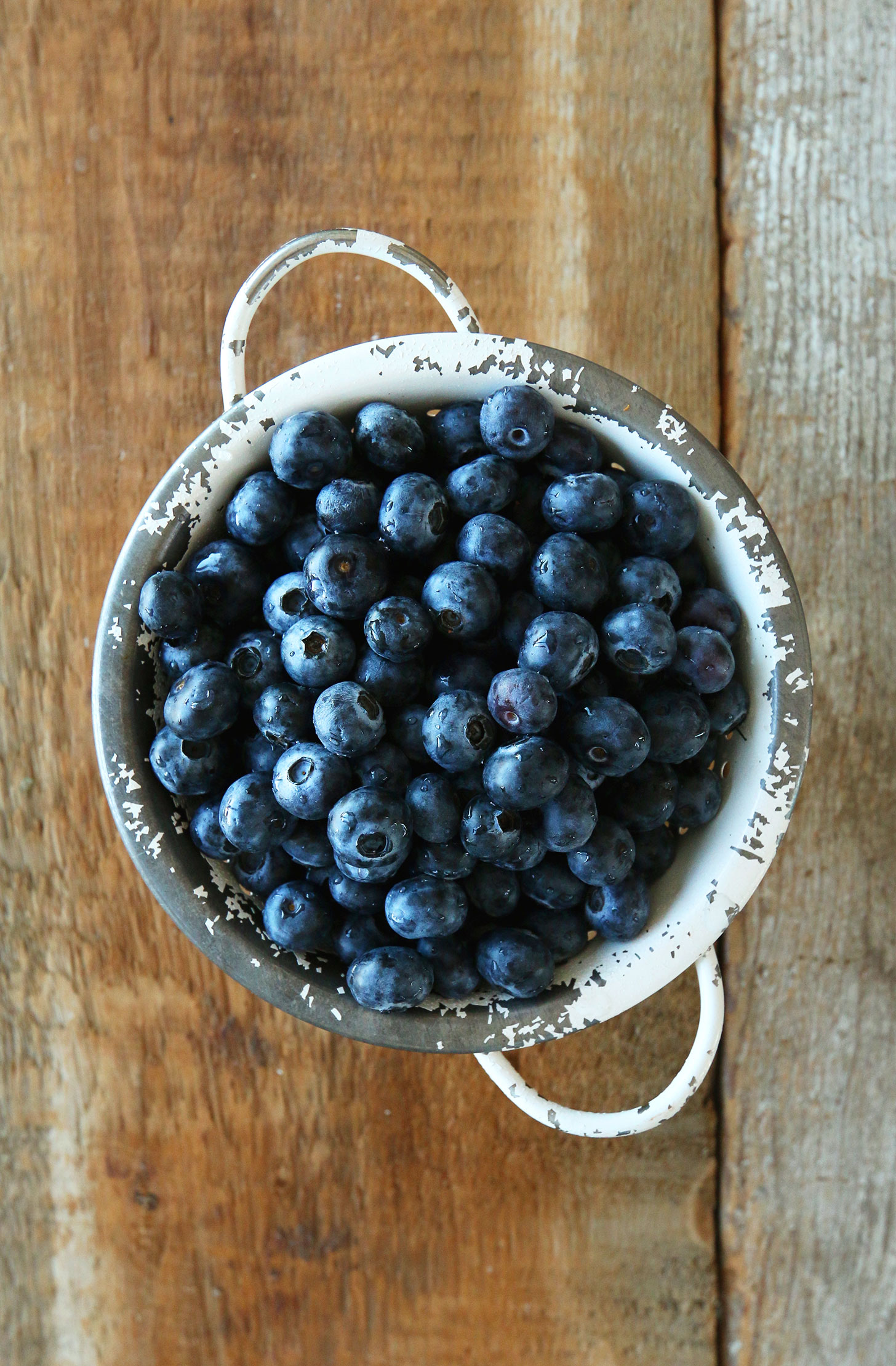 Fresh blueberries ready to be made into a delicious vegan summer dessert