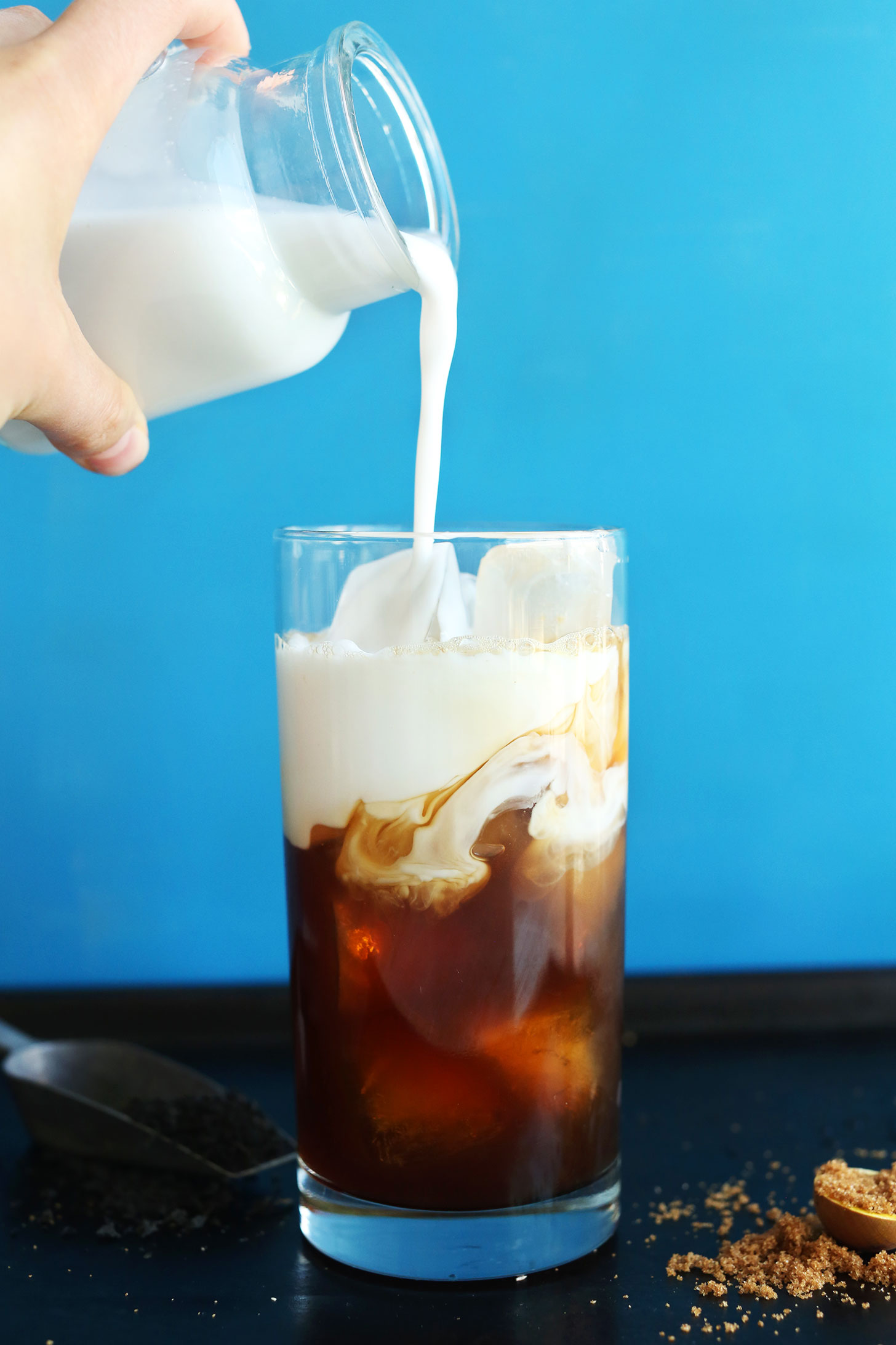 CREAMY Vegan Thai Iced Tea from scratch! So simple and delicious | Perfect alongside Thai dishes! #vegan #beverage #thai #dessert #coconut #tea