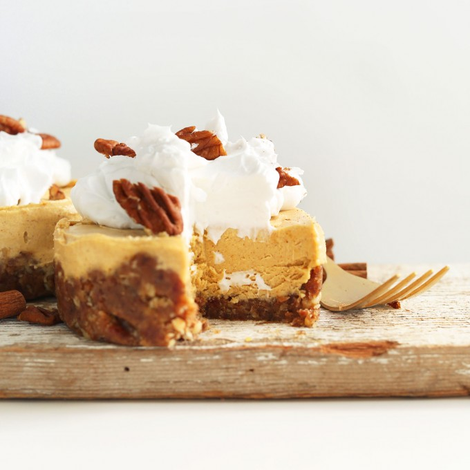 Amazing gluten-free Thanksgiving dessert of Vegan Pumpkin Cheesecake