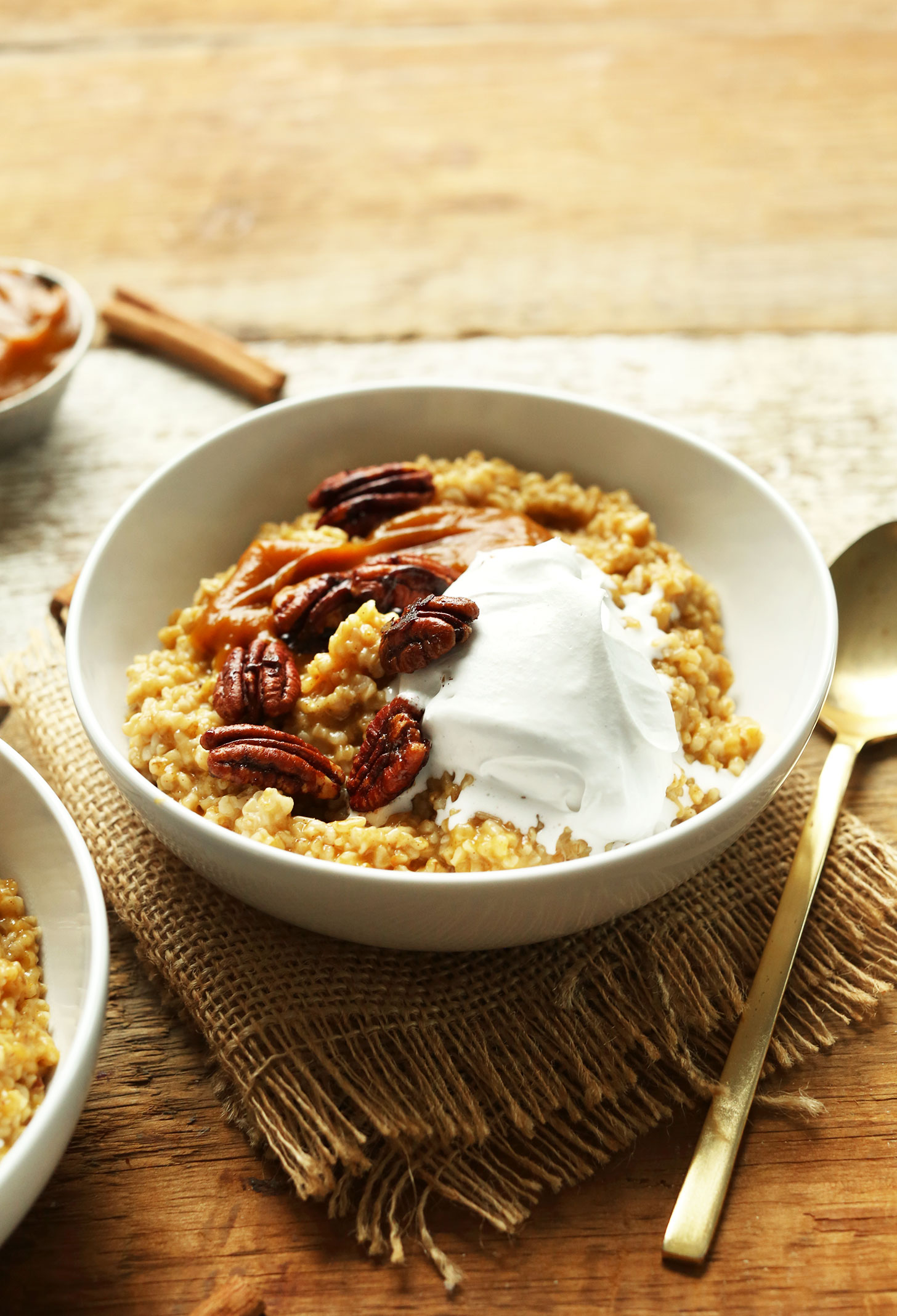 Bowl of our naturally-sweetened gluten-free vegan Pumpkin Pie Oats