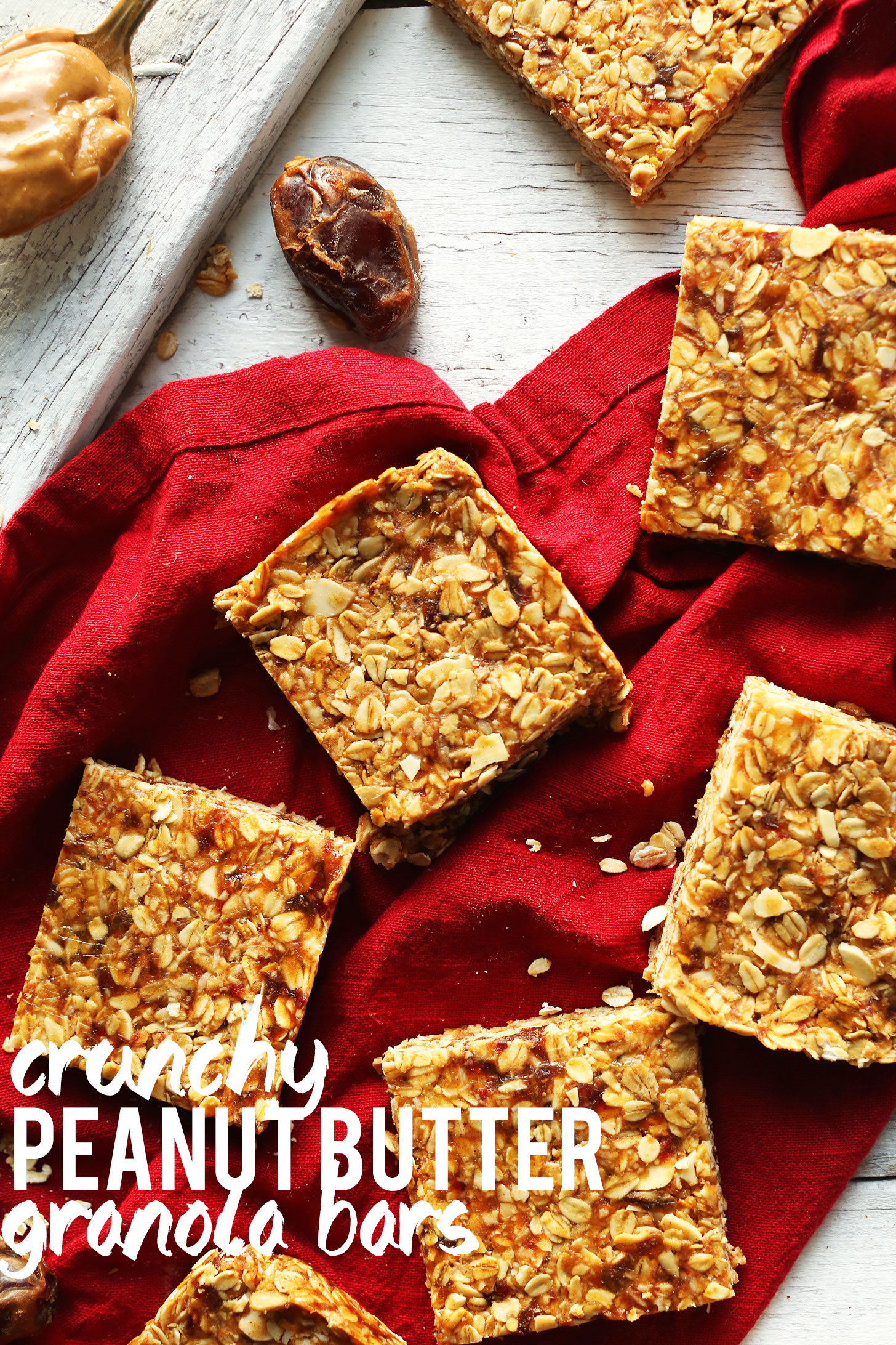 Superbe Crunchy Homemade Peanut Butter Granola Bars Resting On A Linen