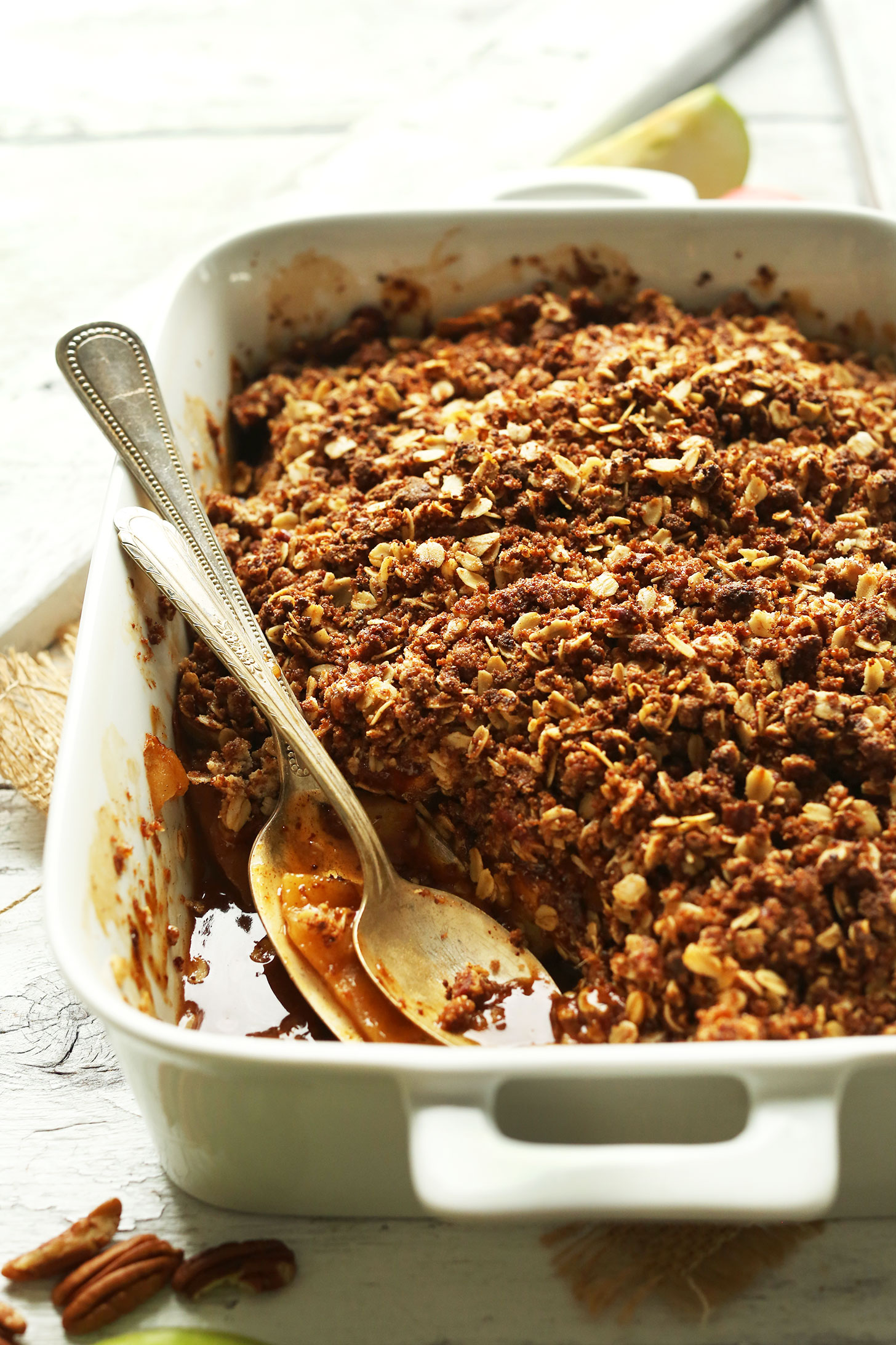 THE BEST Vegan Apple Crisp with a Pecan-Oat Topping, 1 Bowl, and NATURALLY SWEETENED! #vegan #apple #fall #thanksgiving #recipe #applecrisp #minimalistbaker