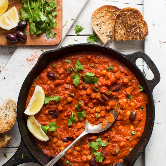 Amazing 1-pot gluten-free vegan meal of Chickpea Shakshuka