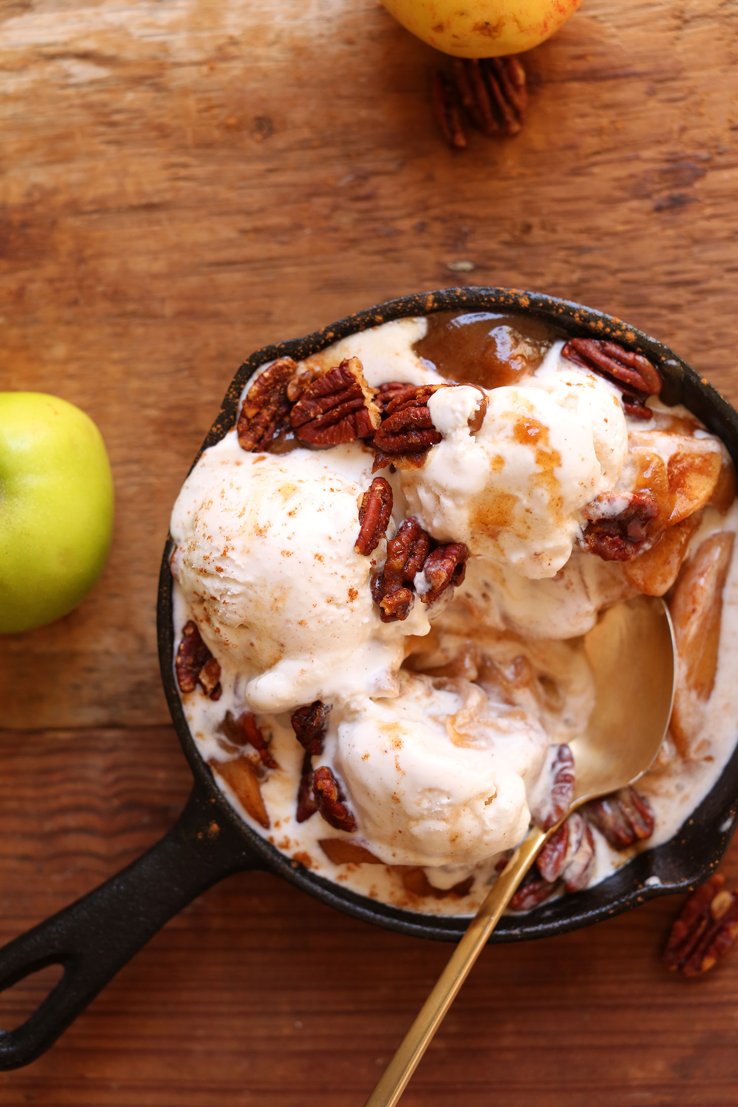 Mini cast-iron skillet with our naturally-sweetened vegan apple pie sundae recipe