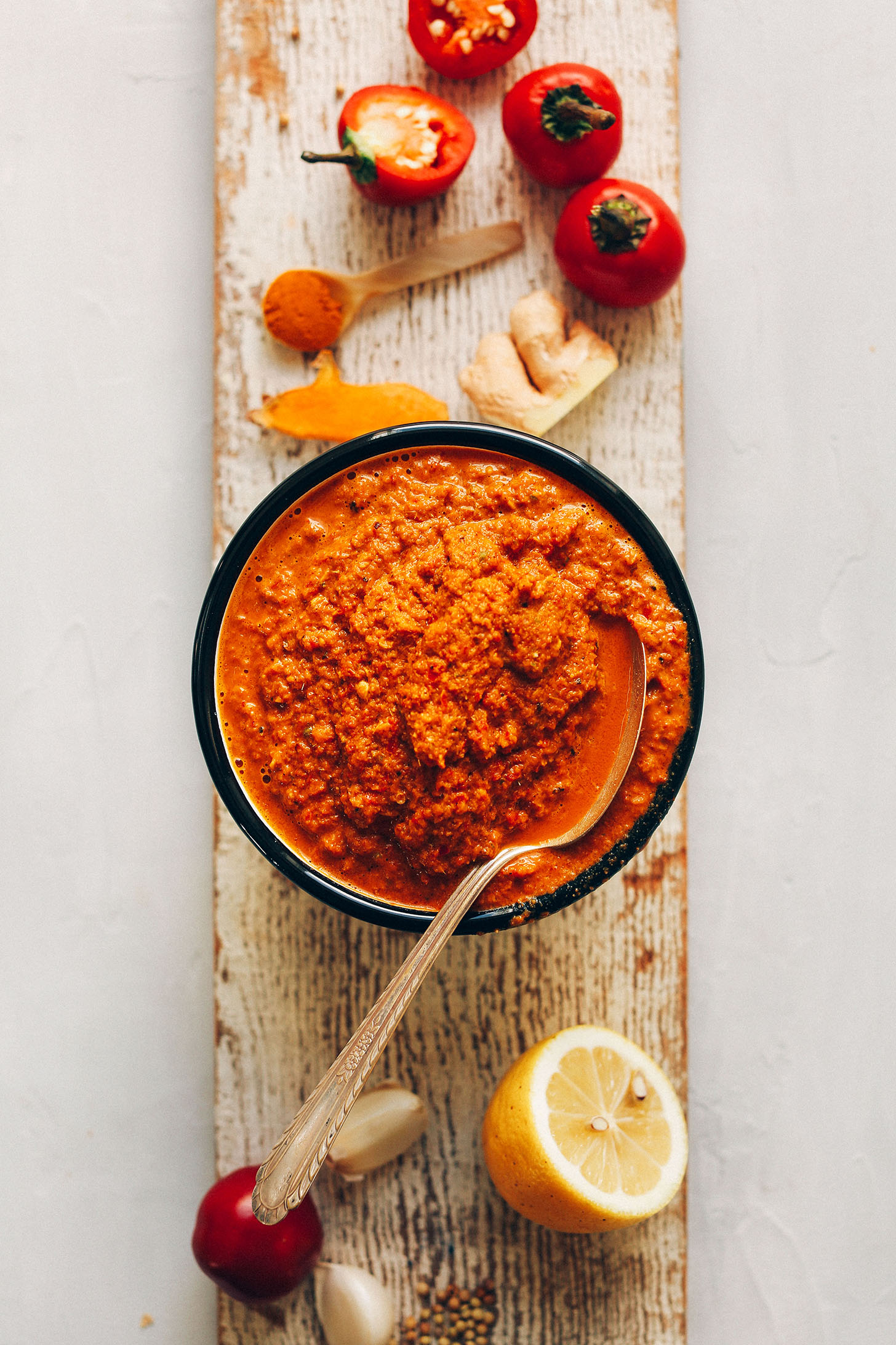 Easy red curry paste minimalist baker recipes easy diy red curry paste 10 minutes 1 food processor or blender big forumfinder Gallery