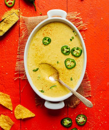 Roasted Jalapeño Vegan Queso (7 ingredients!)
