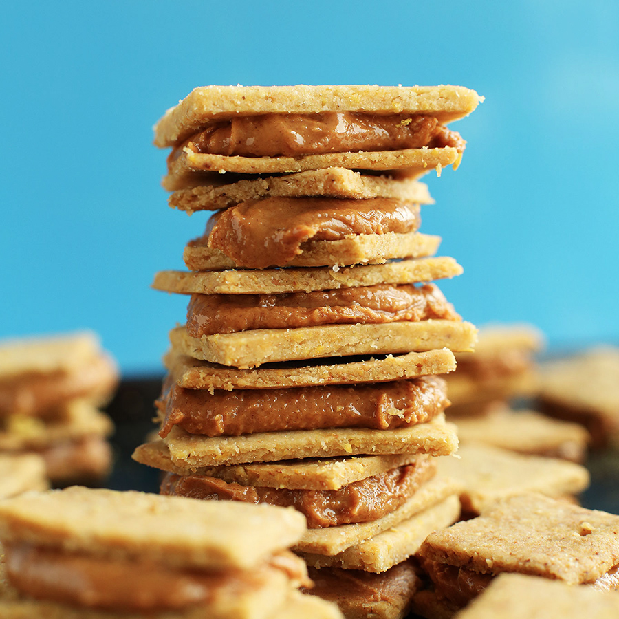 Stack of peanut butter crackers as part of our roundup of 10 Vegan Lunchbox Ideas