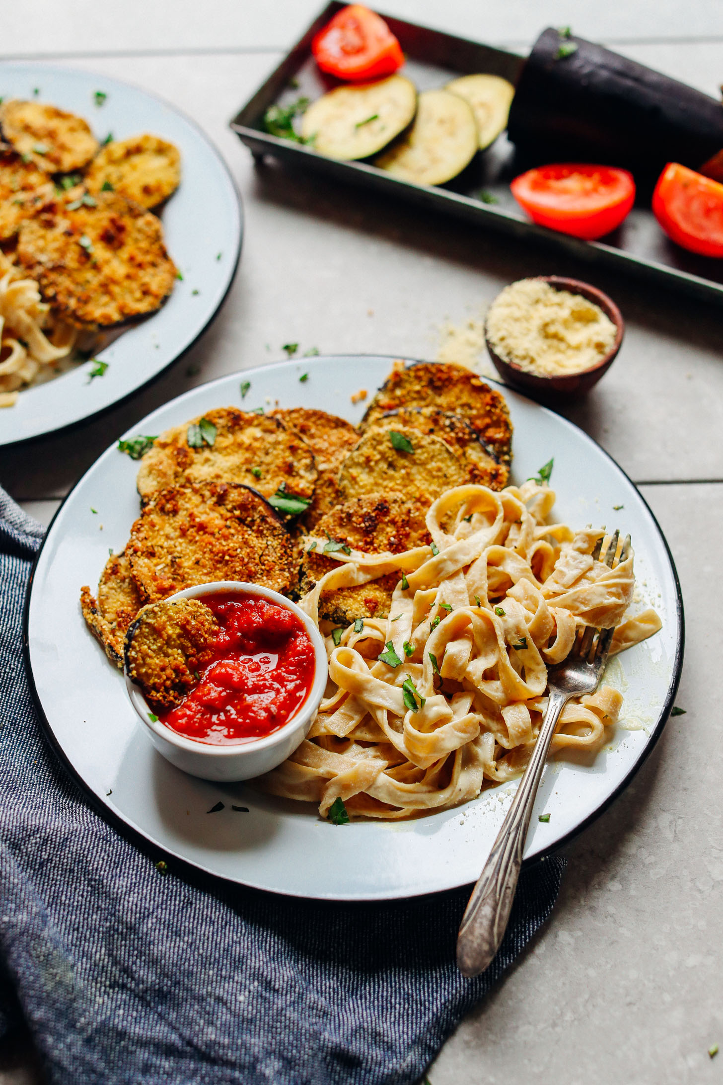 AMAZING Vegan Gluten Free CRISPY Eggplant Parmesan! 10 ing, 30 minutes, SO tasty! #vegan #plantbased #healthy #italian #eggplant #recipe #glutenfree #dinner #minimalistbaker