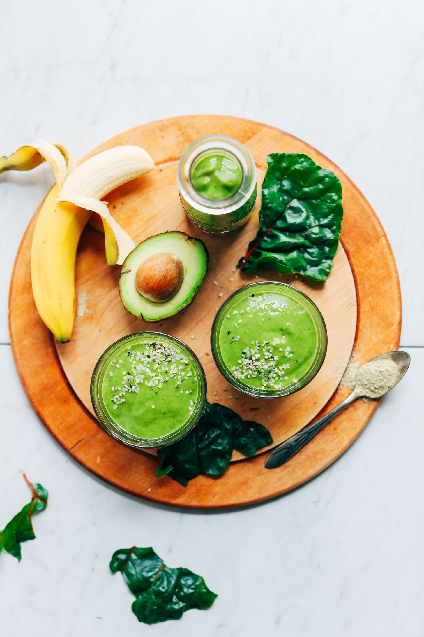 CREAMY Avocado Green Smoothie! 5 ingredients, GREEN, SO healthy + satisfying #vegan #banana #plantbased #smoothie #greensmoothie #avocado #glutenfree #minimalistbaker