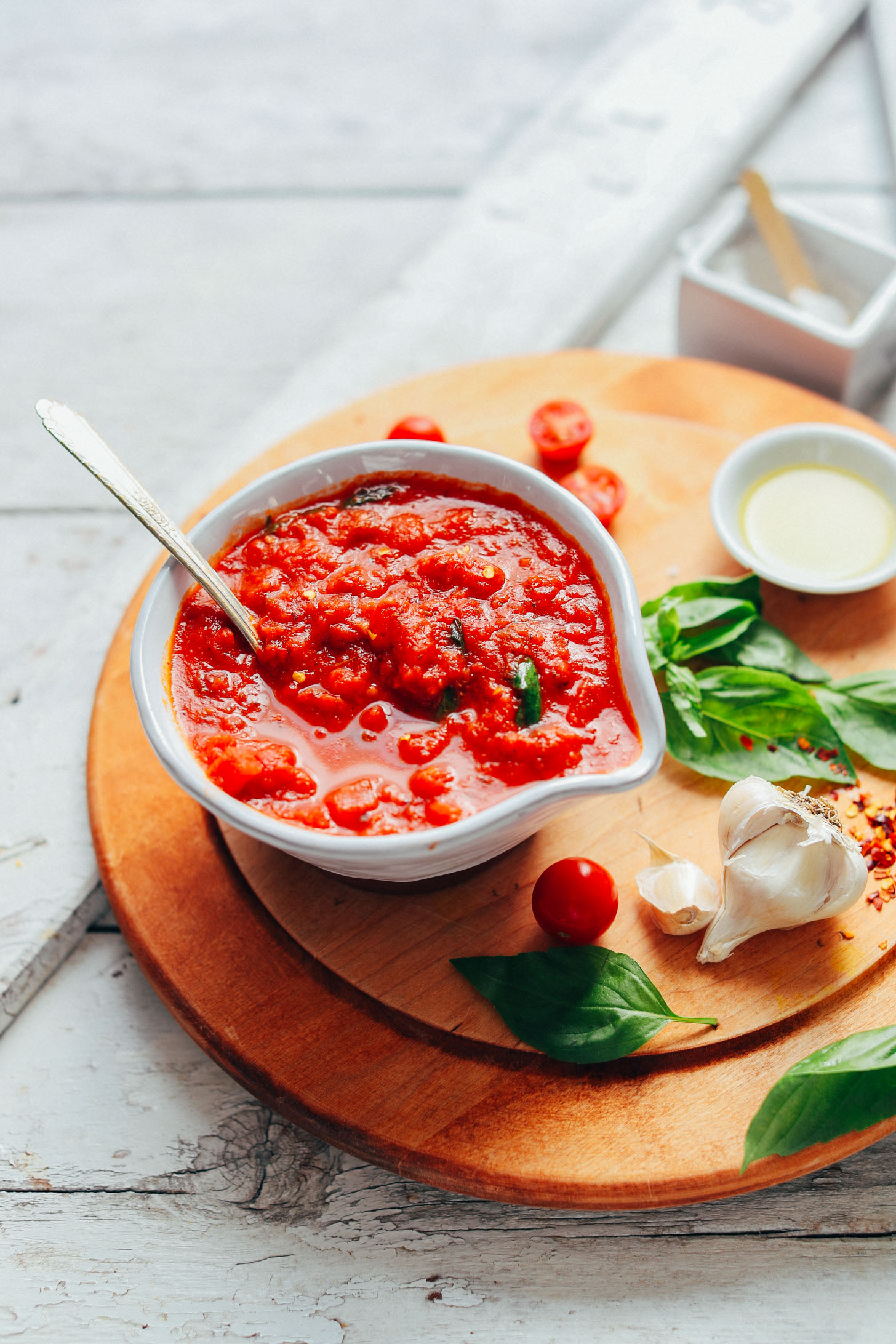 EASY 1-Pot Marinara Sauce! Tomatoey, rich, flavorful, SO delicious! #vegan #plantbased #sauce #glutenfree #tomato #marinara #recipe #minimalistbaker