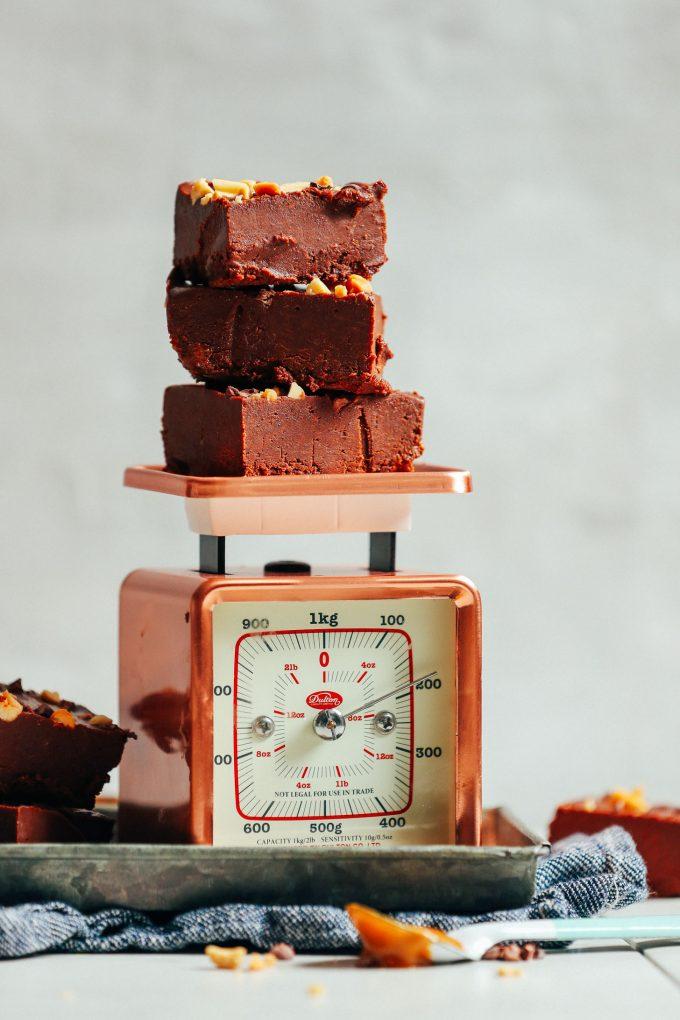 Chocolate Peanut Butter Freezer Fudge (4 Ingredients!)