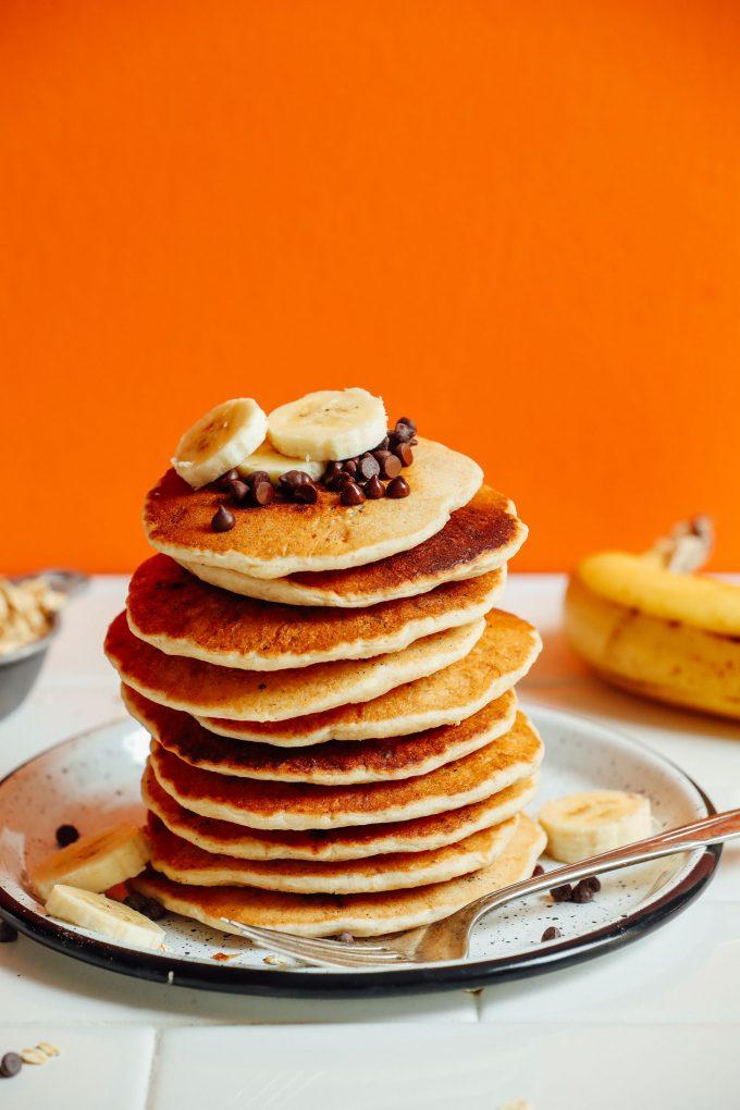 1-Bowl Vegan Banana Oat Pancakes