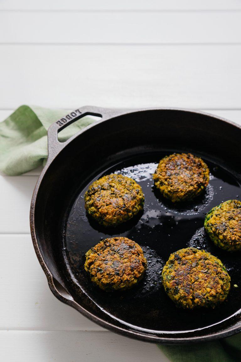 Kale Falafel Hummus Wraps (30 Minutes!) | Minimalist Baker ...