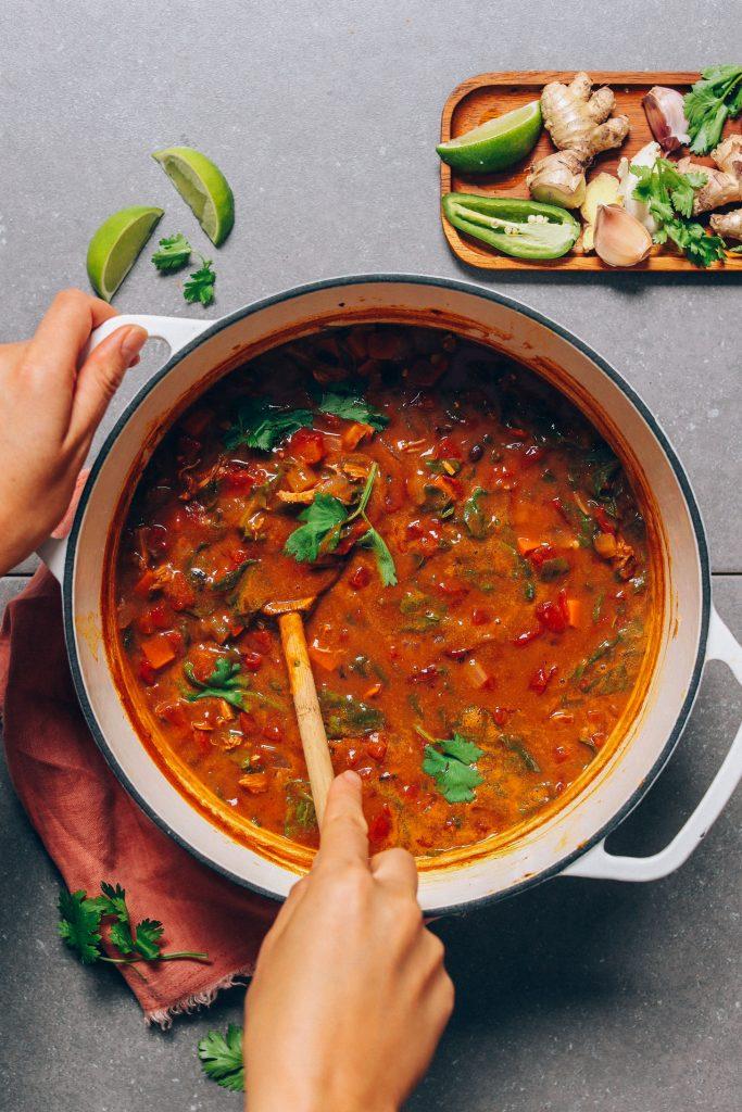 1-Pot Pumpkin Black Bean Soup