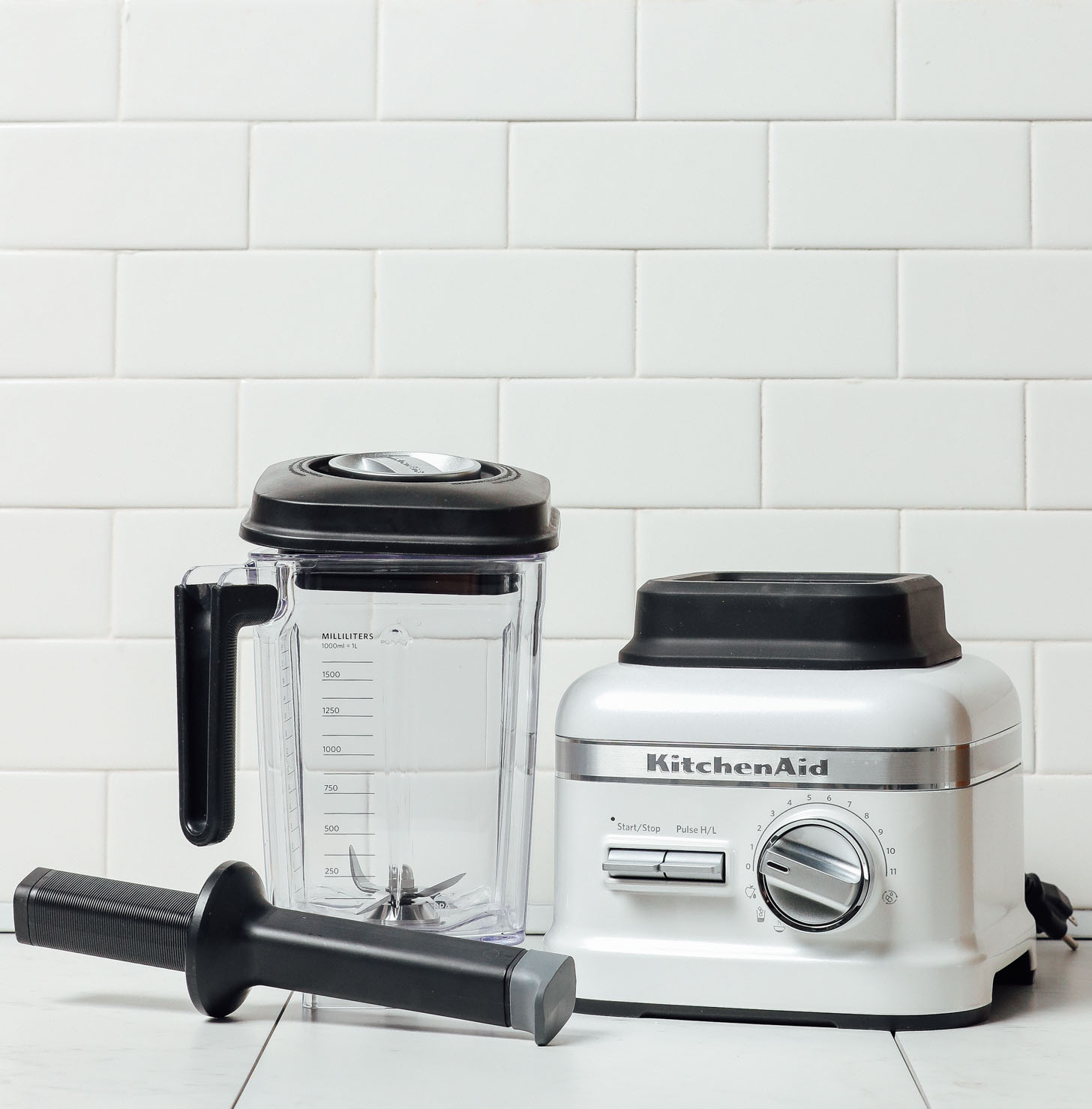 KitchenAid Pro Series Blender in white for our unbiased blender review