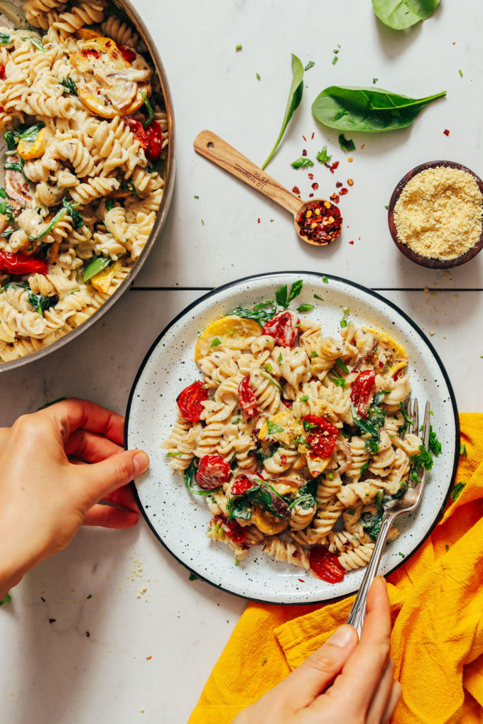 Creamy Vegan White Pasta with Summer Vegetables