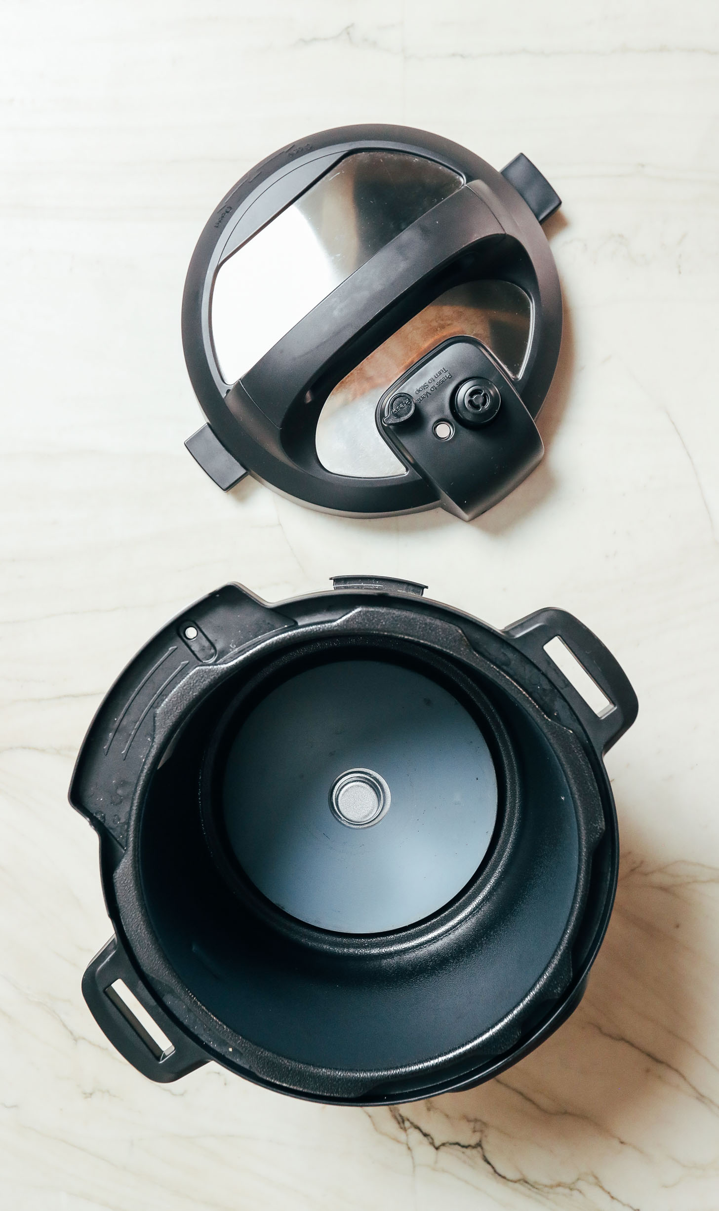 Lid and base of the Instant Pot Duo Nova
