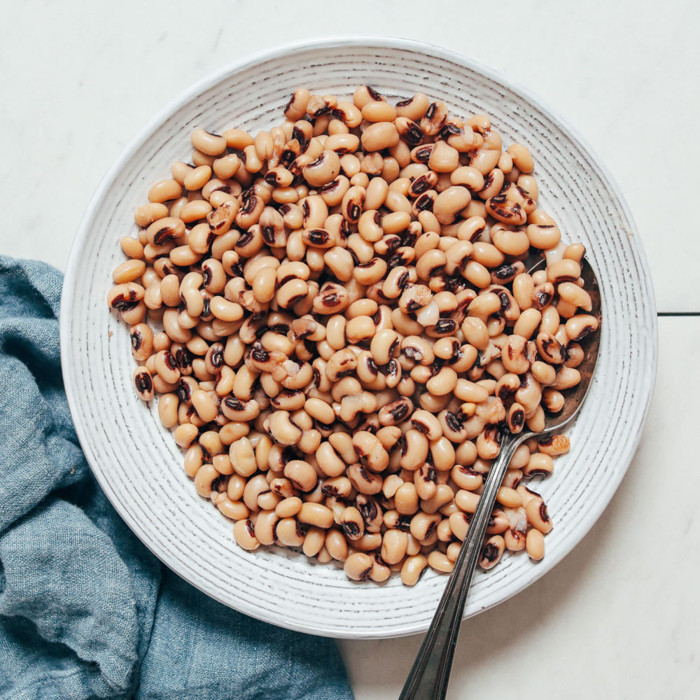 Bowl of black eyed peas made in the Instant Pot