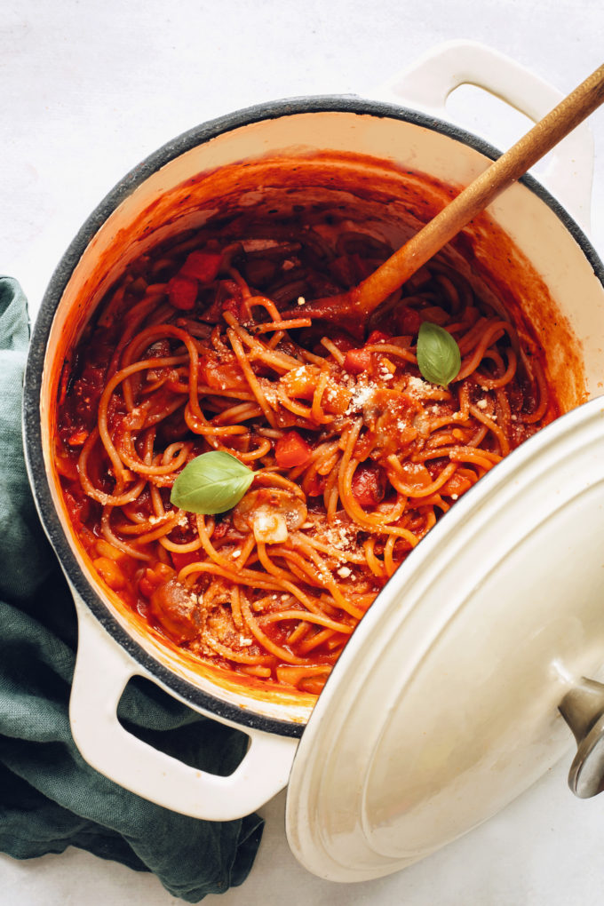 Easy 1-Pot Vegan Spaghetti (30 Minutes!)