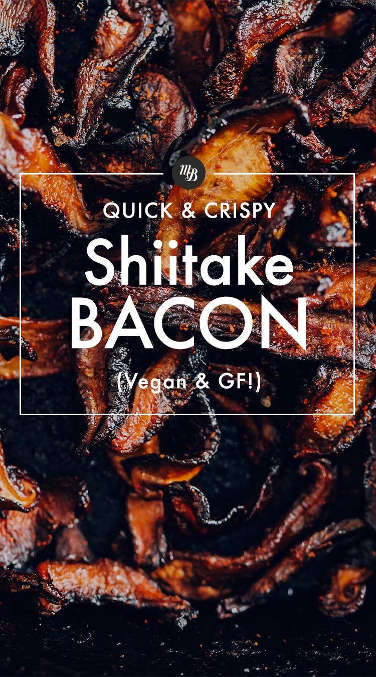 Pilha de bacon vegan feito com cogumelos shiitake