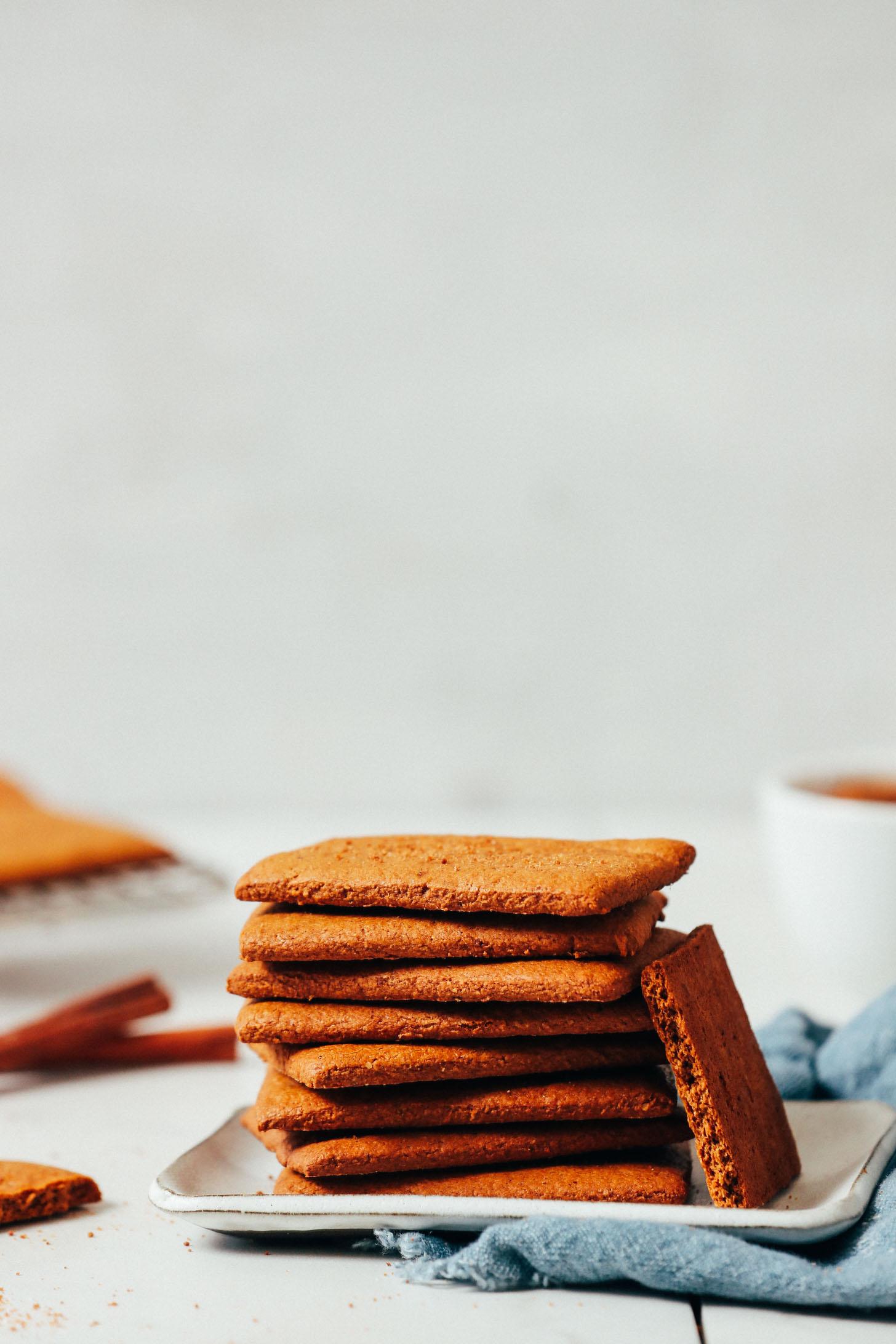 Assiette de biscuits Graham sans gluten vegan